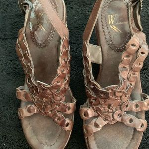 White Mountain Brown Leather Wedge Sandals Sz 7
